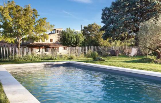 Gite à Goult pour  4 •   avec piscine partagée