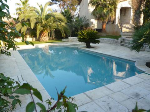 Maison antibes louer pour 4 personnes location n 10632 for Antibes location maison