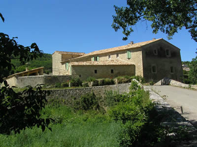 Gite Céreste En Luberon - 2 people - holiday home  #10683