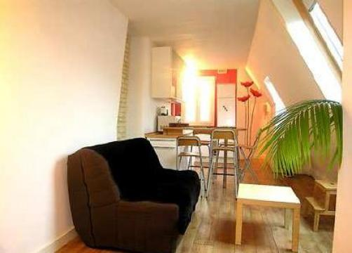 Flat in Paris 10e for rent for  5 people - rental ad #11393