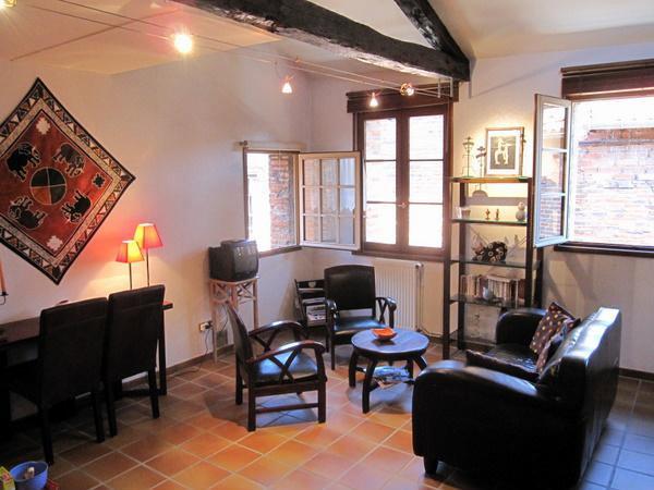 appartement albi louer pour 4 personnes location n 11811. Black Bedroom Furniture Sets. Home Design Ideas