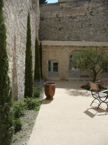 Maison avignon louer pour 6 personnes location n 1764 for Avignon location maison