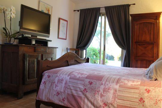 chambre d 39 h tes saint tropez louer pour 8 personnes location n 1780. Black Bedroom Furniture Sets. Home Design Ideas