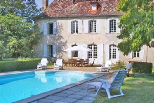 Castle in Saint léon sur l'Isle - Vacation, holiday rental ad # 2197 Picture #0