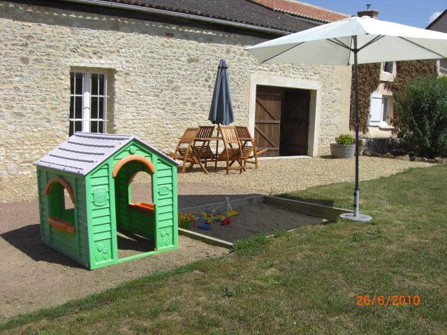 Gite à St Macaire du Bois  Location vacances, location saisonnière