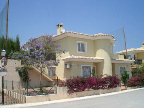 House in El campello for   6 •   4 stars   #3169
