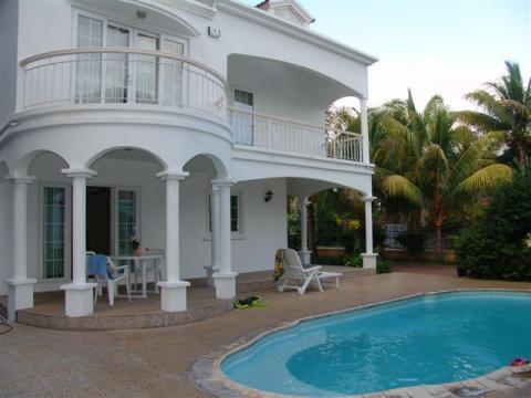 Maison flic en flac louer pour 6 personnes location for Campement a louer avec piscine
