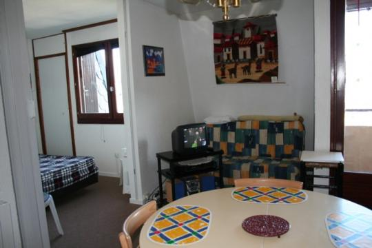 Flat in Les Angles - Vacation, holiday rental ad # 4201 Picture #3