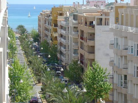 Flat in Torrevieja for   5 •   3 bedrooms