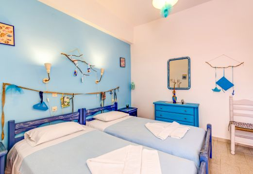 Flat in Crete for rent for  5 people - rental ad #5646
