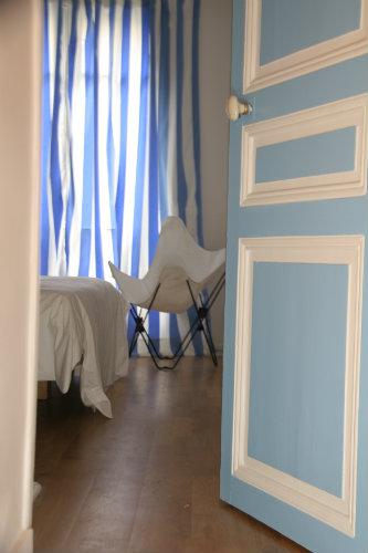 Flat in Paris - Montmartre - Vacation, holiday rental ad # 5832 Picture #4
