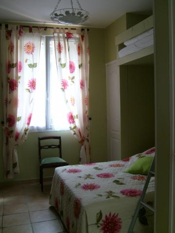 Bed and Breakfast in Argenteuil - Vacation, holiday rental ad # 6089 Picture #2