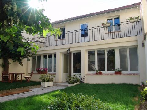 Bed and Breakfast in Argenteuil for rent for  5 people - rental ad #6090