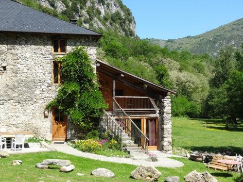 Casa rural en Alliat para  12 •   con balcón  n°7038