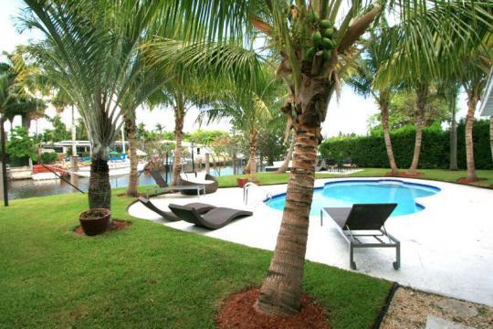 Maison miami beach louer pour 10 personnes location for Aspirateur piscine oasis
