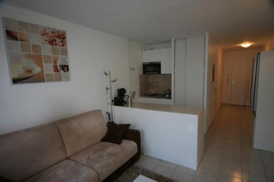 Studio in Marseille - Vacation, holiday rental ad # 7649 Picture #3
