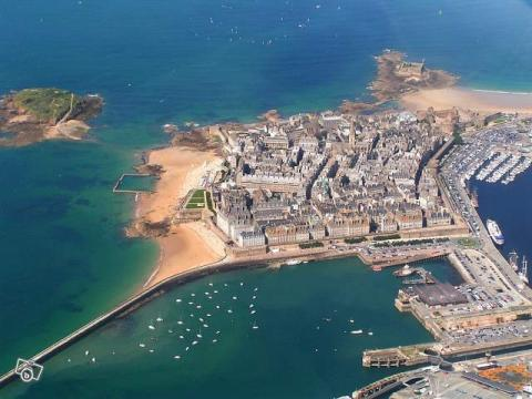 Flat in Saint malo (intra muros) - Vacation, holiday rental ad # 7660 Picture #1