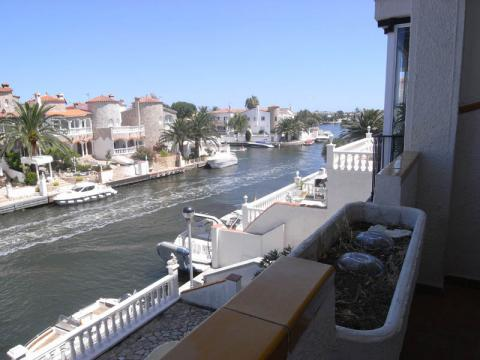 Flat in Empuriabrava - Vacation, holiday rental ad # 8308 Picture #1