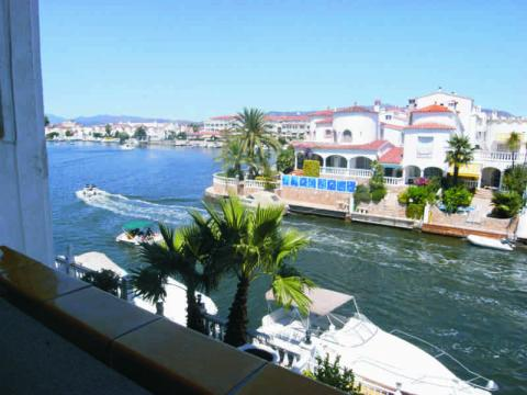 Flat in Empuriabrava - Vacation, holiday rental ad # 8308 Picture #2