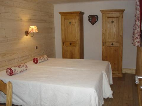 Chalet in Meribel - Vacation, holiday rental ad # 8540 Picture #2