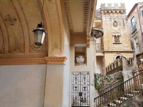 Maison Tropea - Apartment Martina Inside 'palazzo' Braghò 1721 - 8 personnes - location vacances  n°8862