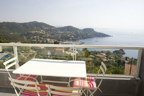 House in Le Trayas Saint Raphael - Vacation, holiday rental ad # 9227 Picture #1