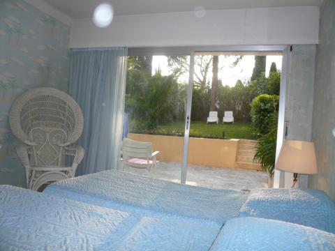 Flat in CANNES - Vacation, holiday rental ad # 9533 Picture #3