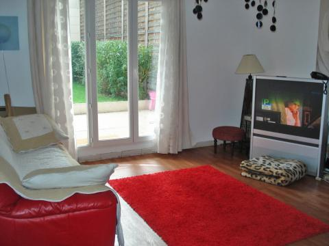 Flat in Asniéres sur Seine - Vacation, holiday rental ad # 9826 Picture #1