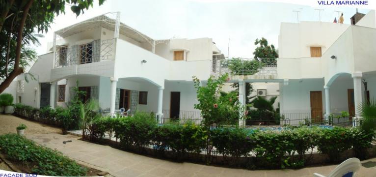 Maison saly louer pour 14 personnes location n 9859 for Maison moderne haiti