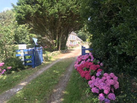 Gite Kerargon Landudec  - 12 personnes - location vacances  n°9950