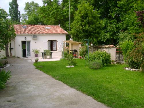 Maison Roullet-st-estephe - 3 personnes - location vacances  n°9966