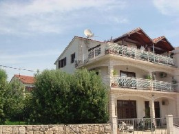 Flat Trogir - 4 people - holiday home  #10480