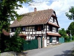 Maison à Heidolsheim pour  10 •   parking privé   n°11010