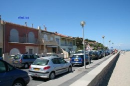 Flat in Leucate plage for   6 •   view on sea