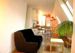 Flat in Paris 10e for   5 •   2 bedrooms