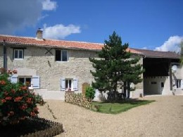 Gite in St macaire du bois for   4 •   luxury home