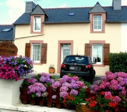 House Pleyben - 4 people - holiday home  #4727