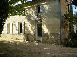 House in Tizac de lapouyade for   5 •   private parking