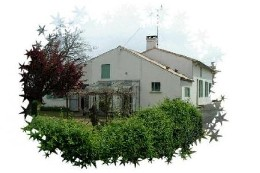 Maison Saint Dizant Du Gua - 6 personnes - location vacances  n°8482