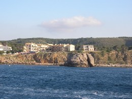 Flat in L'escala for   4 •   view on sea