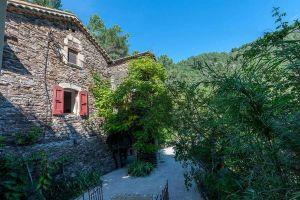 Huis in Le chambon voor  8 •   met terras   no 9987