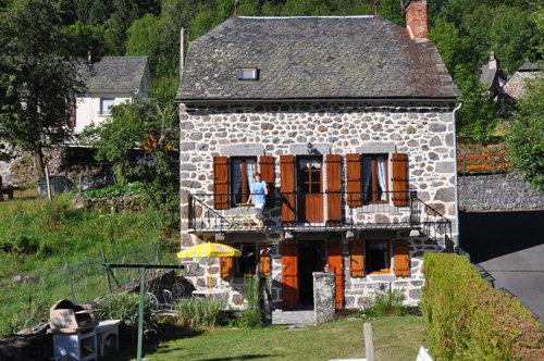 Gite à Laveissiere à louer pour 9 personnes - location n°22598
