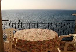 Flat in La maison sur la baie en sicilie for   10 •   view on sea