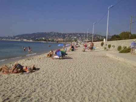Flat in Antibes - Vacation, holiday rental ad # 23262 Picture #6