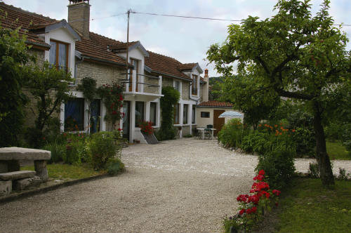 Gite in Longchamp sur aujon for   10 •   animals accepted (dog, pet...)