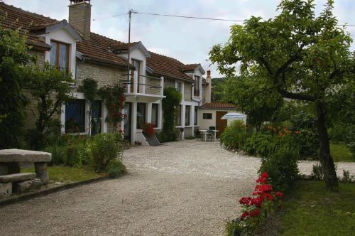 Gite Longchamp Sur Aujon - 10 personnes - location vacances  n°23361