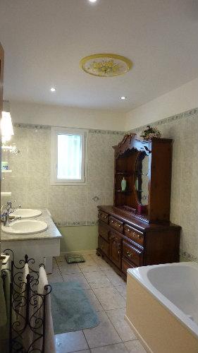 maison toulon louer pour 6 personnes location n 23423. Black Bedroom Furniture Sets. Home Design Ideas