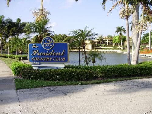 West palm beach -    vista a un lago