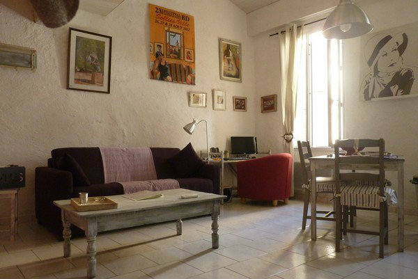 Flat in Hyères - Vacation, holiday rental ad # 23900 Picture #0