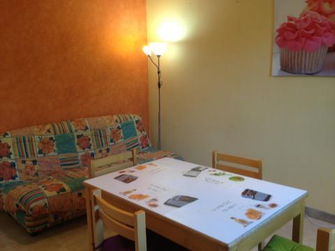 appartement perigueux louer pour 5 personnes location n 24144. Black Bedroom Furniture Sets. Home Design Ideas